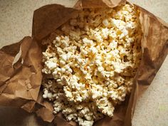 How to Make Microwave Popcorn in a Brown Paper Bag
