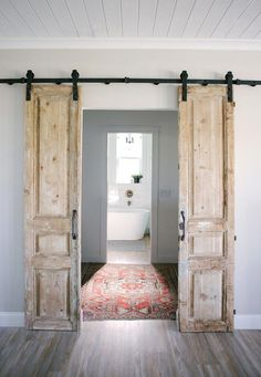 Cool 30 Perfect Farmhouse Sliding Barn Door Design And Decoration Ideas To Try. Antique French Doors, Sliding French Doors, French Doors Bedroom, Double Barn Doors, Solid Doors, Barn Door In Bedroom, Sliding Barn Doors, Barn Style Doors, Vintage Doors