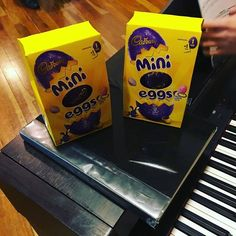 Thanks to the lovely local vocals guys who brought Callum and I Easter eggs last night. Who doesn't like mini eggs! Yum!! http://ift.tt/2oxPBz4