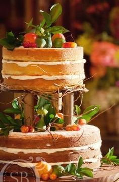 What a rustic #wedding #cake!