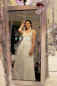 photobooth για γάμο Photo booth wedding  wedding greece Formal Dresses, Wedding Dresses, Photo Booth, Greece, One Shoulder, Fashion, Dresses For Formal, Bride Dresses, Greece Country