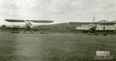 Fototeca INEHRM.- Desde que Alberto Braniff hizo volar su avión modelo Voisin en los llanos de Balbuena, el 8 de enero de 1910, se observó en nuestro país el potencial bélico de la aviación.