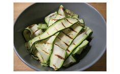 Fast Diet - Griddled Courgettes with Lemon, Mint, Puy Lentils & Cheezly Vegan Side Dishes, Vegetable Side Dishes, Vegetable Recipes, Vegetarian Recipes, Healthy Recipes, Uk Recipes, Vegan Meals, Low Calorie Dinners, Food Club