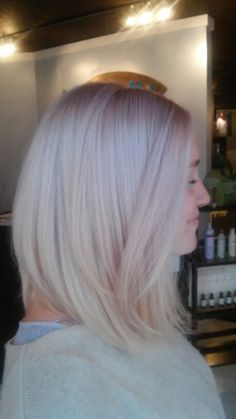 Instagram.com/merrgg bob lob long bob platinum hair pastel pink lavender violet ice straight smooth