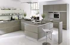 White and grey kitchens are the kitchens with a combination of color between white and grey that will then produce superb modern kitchens. Cooking at home Grey Kitchen Floor, Gray And White Kitchen, New Kitchen Designs, Luxury Kitchen Design, Modern Kitchen Interiors, Home Decor Kitchen, Grey Kitchens, Minimalist Kitchen, Sweet Home