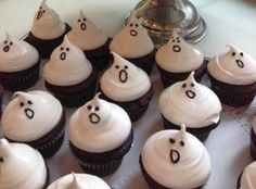ハロウィンモチーフのカップケーキ