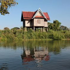 Laos: 4 000 islands on the Mekong by Bertrand DEVIMEUX