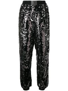 These New Years Eve outfit ideas will have you feeling super chic and beautiful. Look glam in these gold, glittery, and sequin fashion staples! Sparkly Outfits, Nye Outfits, New Years Eve Dinner, New Years Party, Holiday Party Outfit, Holiday Outfits, New Year's Eve Looks, New Year Headband, Best Black Friday Sales