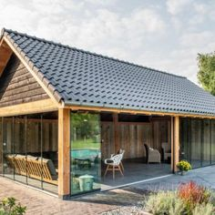 Covering_shed_shed_Beusichem_ - All For Garden Backyard Pavilion, Backyard Patio Designs, Backyard Retreat, Diy Patio, Outdoor Kitchen Patio, Outdoor Rooms, Outdoor Decor, Carport Plans, Farm Shed