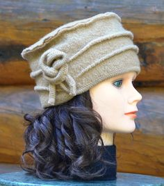 Beautiful camel boiled wool hat, 100% recycled boiled wool. This hat is unique because it is made from boiled wool carefully selected, cleaned and
