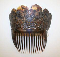 century comb- tortoise shell 6 x 6 in. MET century comb- tortoise shell 6 x 6 in. Or Antique, Antique Jewelry, Vintage Jewelry, Victorian Hairstyles, Vintage Hairstyles, Bling Jewelry, Hair Jewelry, Jewellery, Vintage Accessories