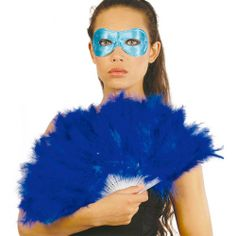 Abanico de Plumas color Azul. Complementa tu disfraz con este elegante abanico azul. En mercadisfraces tu tienda de disfraces online disponemos del mayor stock en disfraces y complementos para Carnaval. Envíos 24 horas http://mercadisfraces.es/abanicos/abanico-de-plumas-color-azul.html?search_query=18109&results=2