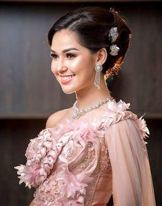 Khmer Wedding, Wedding Costumes, Lace Corset, Cambodia, Thailand, Wedding Dress, Formal Dresses, Fashion, Bride Groom Dress