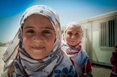 'La vuelta al cole' - El regreso a las aulas ya ha comenzado en el campo de refugiados de Zaatari, Jordania. Estos niños están empeñados en continuar con su educación a pesar de la guerra que afecta a su país: Siria