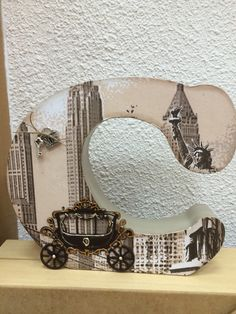 Letra madera decorada con papel y silueta madera Fancy Letters, Wooden Letters, Monogram Letters, Letter Crafts, Letter Art, Decoupage, Decorated Letters, Alphabet Art, Monograms