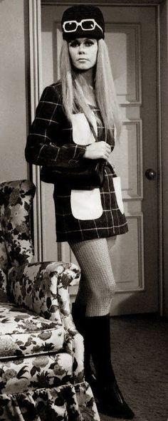 Elizabeth Montgomery 1960's ...If'n....yeah, yeah, yeah!