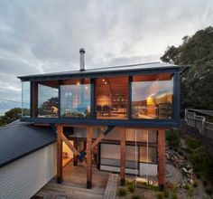 Sea-house on stilts extends Australian beach shack to get ocean view Architecture Durable, Architecture Design, Architecture Renovation, Architecture Awards, Victorian Architecture, Residential Architecture, Architecture Definition, Computer Architecture, Design Architect