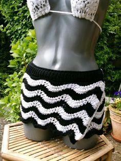 Cacheur, Wickelrock schwarz-weiß von Meine Strickerei auf DaWanda.com