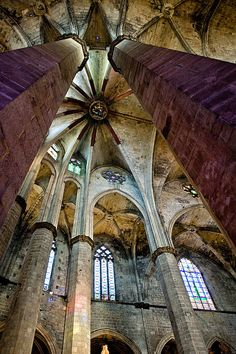 Columns up....Santa  Maria del Mar ,Barcelona   Catalonia