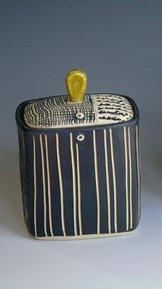 Rita Vali - Ceramics Ceramic Boxes, Ceramic Jars, Ceramic Pottery, Pottery Art, Clay Box, Amaco Glazes, Clay Texture, Rustic Ceramics, Clay Vase