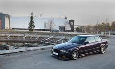 Montrealblau BMW e36 coupe no BBS RC302 wheels