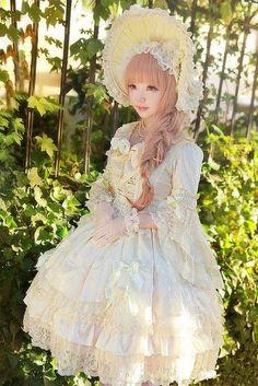 ロリィタはやっぱり白でしょ!? これを読んであなたも美しき白ロリコーデに挑戦してみて☆