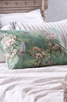 Bedroom makeover: from dark and dated to light and lovely - Homes To Love Chinoiserie Fabric, Veneer Door, Small Wardrobe, Duvet Sets, Paint Designs, Beautiful Bedrooms, Soft Furnishings, Linen Bedding, Bed Pillows
