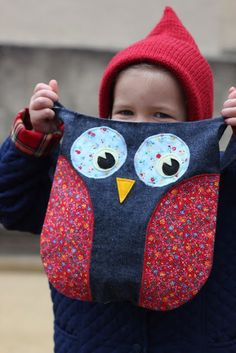 SweetKM: Gingercake's Lola the Owl Bag . Sewing Pattern by Gingercake PatternsYou can find Owl patterns and more on. Owl Sewing Patterns, Bag Patterns To Sew, Pattern Sewing, Owl Quilts, Owl Bags, Handmade Soft Toys, Owl Pillow, Felt Owls, Owl Pet