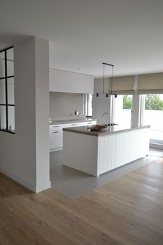 Afbeeldingsresultaat voor overgang hout tegels open keuken