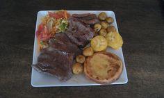 "Deliciosa parrilla Boyacense en el Restaurante Tipico ""La Fogata Sutamarchan"" Colombian Food, Steak, Ethnic Recipes, Cooking Recipes, Dishes, Grilling, Restaurants, Food, Steaks"