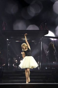 Treacherous--- I love this outfit for this song! The skirt is so pretty!!!