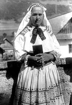 Zliechov village, Považie region, Western Slovakia. Costume Dress, Vintage Pictures, Folklore, Culture, Costumes, Romania, Poland, Dresses, Embroidery