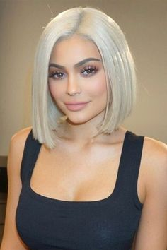 Incredible Platinum Blonde Lob Hairstyles 2018 for Women Not to Miss . Kylie Jenner Short Hair, Kylie Jenner Hairstyles, Kendall Jenner, Platinum Blonde Bobs, Short Platinum Blonde Hair, Platinum Bob, Ash Blonde, Short Hairstyles Over 50, Hairstyles 2018
