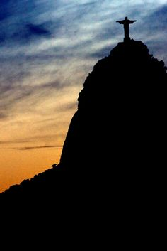 Christ the Redeemer statue, Rio de Janeiro, Brasil The Beautiful Country, Beautiful World, Around The World In 80 Days, Around The Worlds, Christ The Redeemer Statue, Christian Artwork, Picture Postcards, Great Pictures, Far Away
