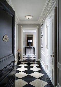 St Regis Hotel New York, checkered floor design. Black And White Interior, Black And White Tiles, Black White, Black And White Flooring, White Marble, Black Milk, Home Staging, Floor Design, House Design