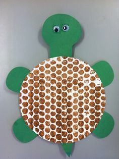Bubble wrap painting turtle shell Turtle preschool art August 2013