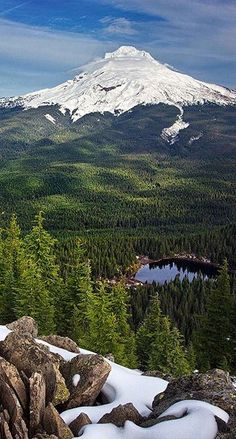 The perfect view of Mt. Hood and Mirror Lake from Tom Dick and Harry Mountain. Photo by instagrammer curtreesor.