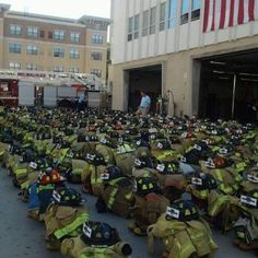 343 firefighters lost their lives on September 11 2001 World Trade Center, Trade Centre, Fire Dept, Fire Department, Trauma, 911 Never Forget, Firefighter Emt, Firefighter Quotes, Volunteer Firefighter