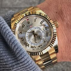 This post is dedicated to SKY-DWELLER lover @billionaires.mafia  Ref 326938 | http://ift.tt/2cBdL3X shares Rolex Watches collection #Get #men #rolex #watches #fashion