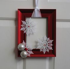 Picture Frame Christmas Wreath - Red and White. $20.00, ... | Christm ...