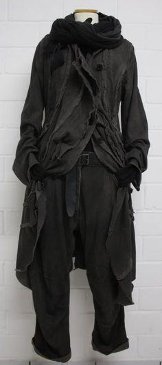 rundholz aw 2015. Black. Jacket. Coat. Gloves. Leather jacket. Fashion. Street. Черный. Куртка. Пальто. Перчатки. Кожаный пиджак. Мода. Уличная. Černá. Bunda. Kabát. Rukavice. Kožená bunda. Módy. Venkovní.