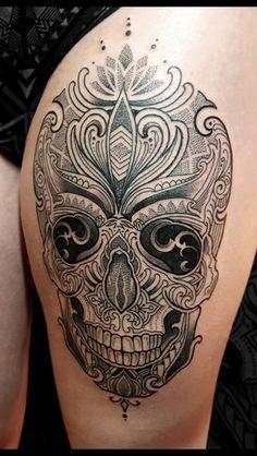 Tatoo - Famous Last Words Life Tattoos, Body Art Tattoos, Sleeve Tattoos, Cool Tattoos, Caveira Mexicana Tattoo, Tattoo Caveira, Mexican Skull Tattoos, Sugar Skull Tattoos, Neck Tatto