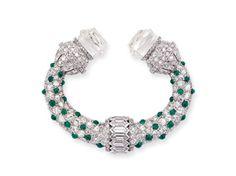 A Rare Art Deco Diamond and Emerald Brooch, Van Cleef & Arpels, circa 1925 #diamonds #vintage #diamondjewellery #finejewellery #jewellery #jewelry