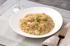 Risotto alla liquirizia e gamberi Couscous, Fried Rice, Fries, Ethnic Recipes, Food, Savoury Recipes, Dinner, Meals, Nasi Goreng