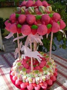 ♡ Cupcakes, Cupcake Cakes, Candy Theme Birthday Party, Carousel Cake, Bar A Bonbon, Sweet Trees, Candy Art, Candy Cakes, Candy Bouquet