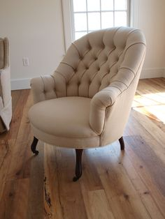 tufted chair...for bedroom!!