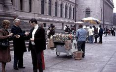 Bagel sellers NYC 1974 by dw*c on Flickr.