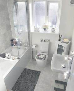 👋🏽 want to see more pins like this Or maybe the latest 𝒷𝑒𝒶𝓊𝓉𝓎 𝓉𝓇𝑒𝓃𝒹𝓈 💁, or tips to help you reach your 𝒻𝒾𝓉𝓃𝑒𝓈𝓈 𝑔𝑜 is part of Bathroom decor - Bathroom Organisation, Small Bathroom Decor, Modern Bathroom Design, Bathroom Decor, Bathroom Makeover, Bathroom Interior Design, Home Decor, Apartment Decor, Bathroom Design