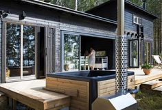Prefab Cottages, Cottage Design, Cabins In The Woods, Tiny House, Home Goods, New Homes, Outdoor Decor, House Ideas, Kitchen