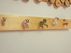 Turning old plastic toys into a coat rack for the kids room Lego, Jewelry Rack, Jewelry Holder, Jewellery Storage, Sweet Home, Best Decor, Plastic Animals, Coat Hooks, Coat Hanger